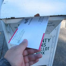 Voting by mail - Chris Phan (Clipdude) [CC BY-SA 3.0 (http://creativecommons.org/licenses/by-sa/3.0/)]